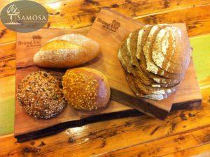 snijplanken brood op de plank
